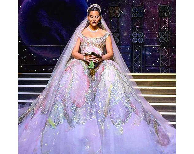 c21a1a429 صور عرايس ارتدين أفخم فساتين زفاف رصدناها لكِ على إنستقرام