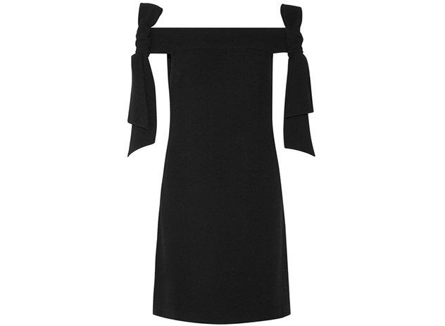 28b010c8e صور 22 فستان سهرة أسود قصير لإطلالة منمّقة تليق بالأعياد