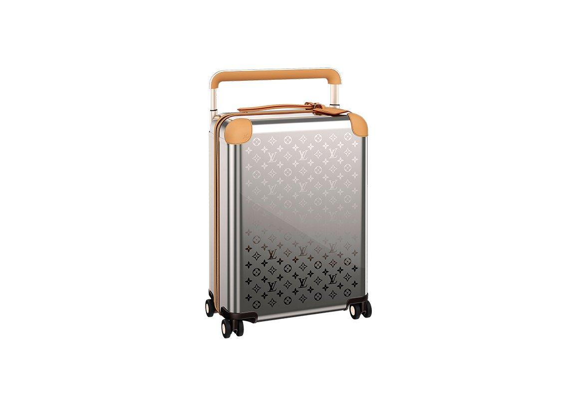 c48e509ca حقيبة السفر: من شنطة لتوضيب الأغراض إلى أكسسسوار عصري