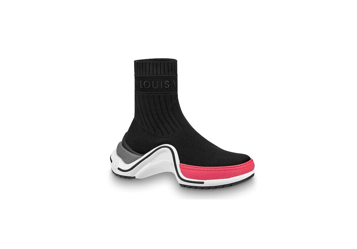 8d417cd89 10 أحذية رياضية رائجة ... أدرجي واحدة منها على الأقل في خزانتكِ