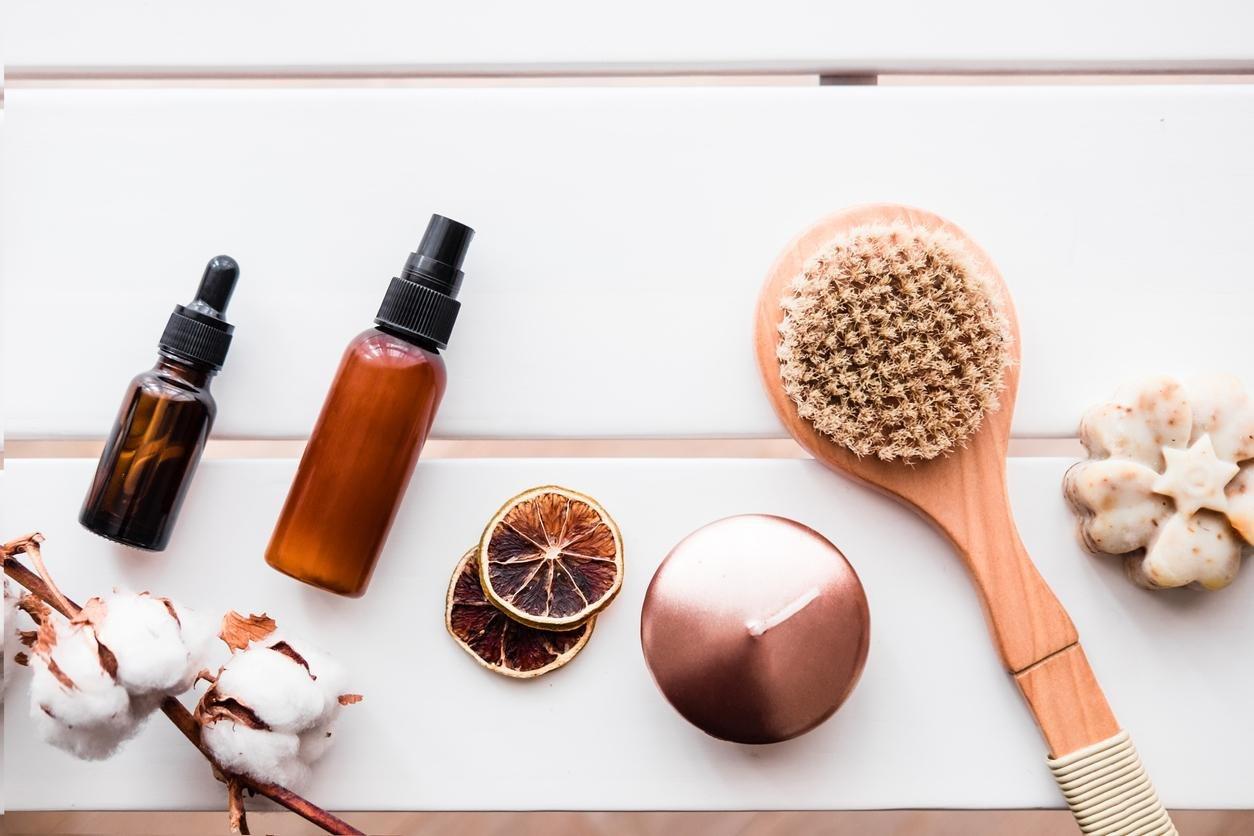 4 خلطات من زيت القطران للحصول على شعر طويل صحي ولامع