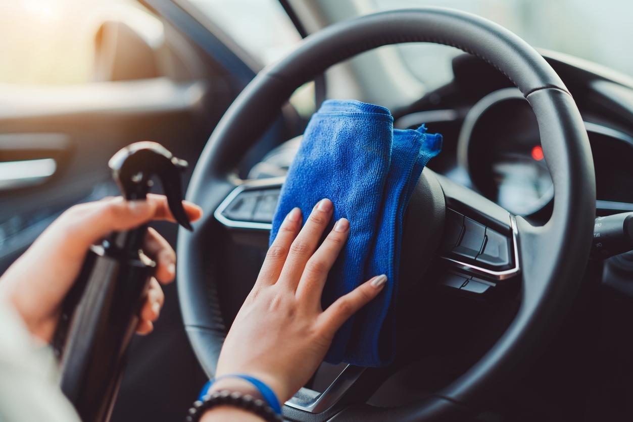 كيفية تنظيف السيارة وتعقيمها للوقاية من فيروس كورونا