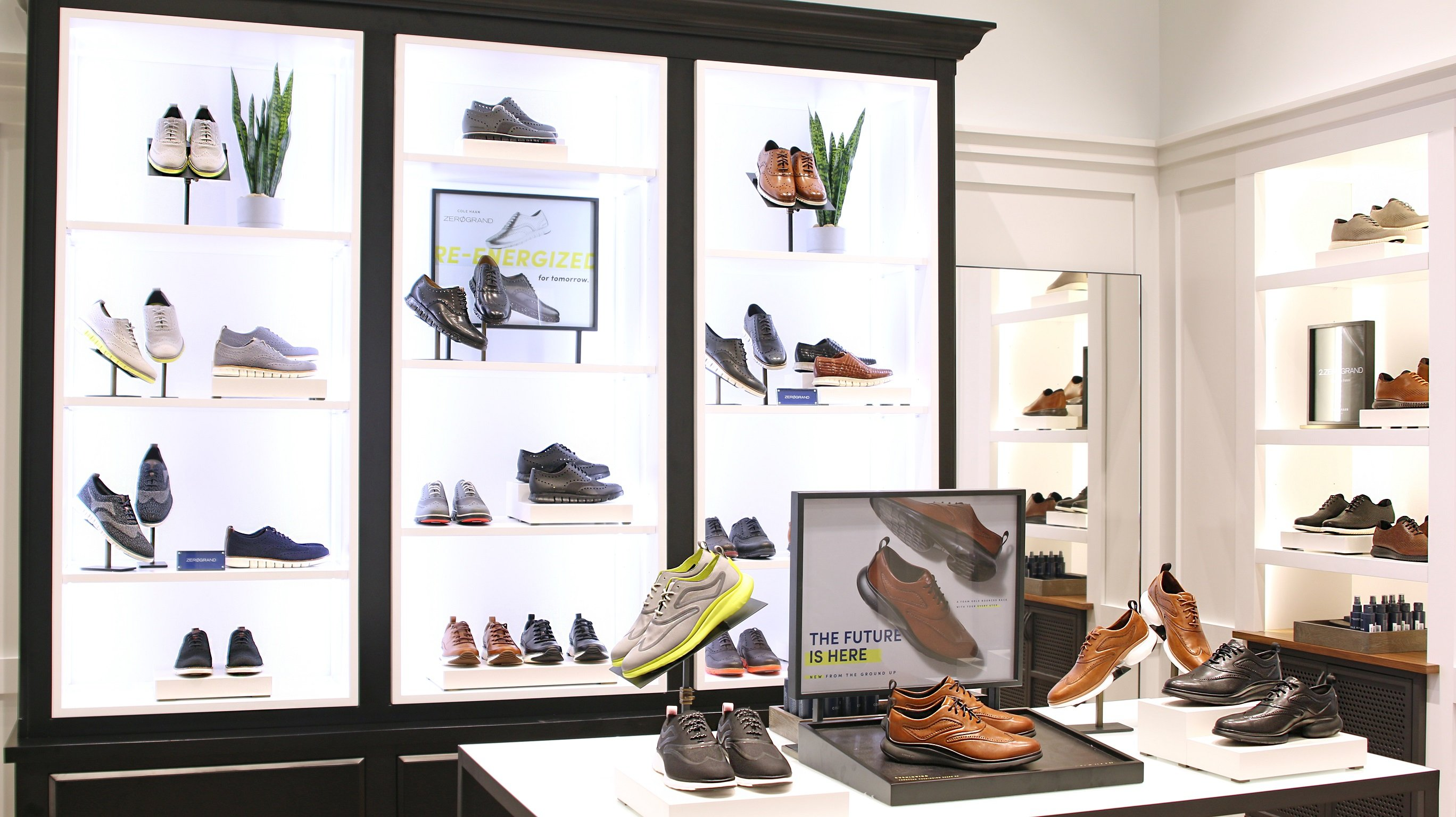 06bfbdd13 سيضمّ المتجر المجموعة الحديثة للجيل الجديد من الأحذية النسائية والرجالية من  موديل