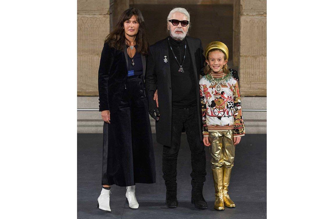 fe2f5d180 Karl Lagerfeld قصّة إبداع: إليكِ نبذة سريعة عن حياته وأعماله