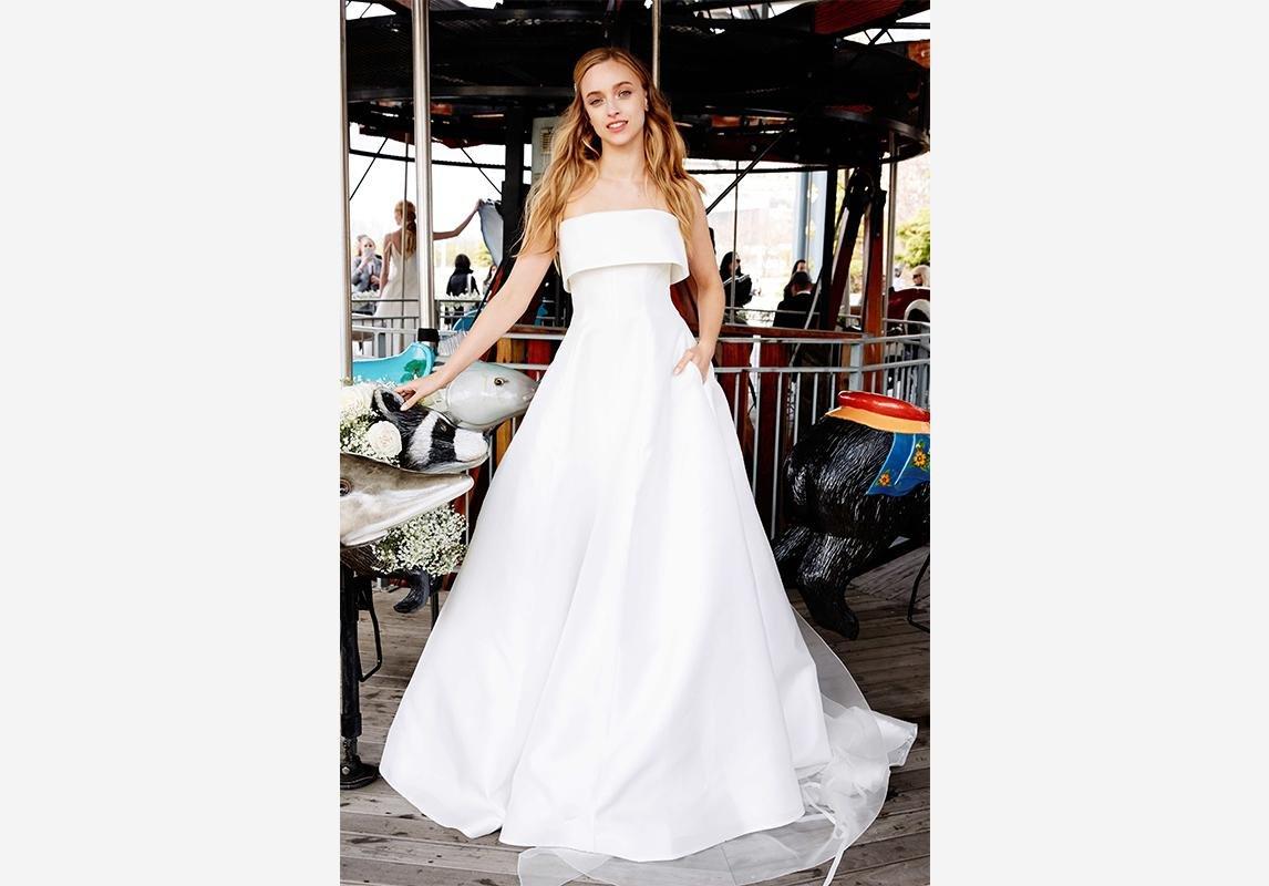 a21e36e14 ... عرض ليلا روز للعرائس لربيع 2020 فستان عروس فساتين عروسه فستان عروس ناعم صور  فساتين زفاف