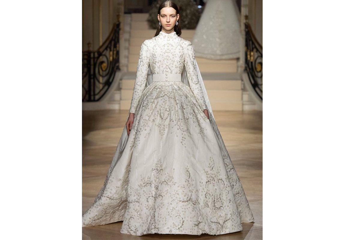 ea0bd2984f23c صور فساتين زفاف من توقيع مصمّمين عرب، من مجموعات الخياطة الراقية لربيع 2019